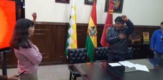 El Gobernador de Oruro posesionó a la nueva directora de Seguridad Ciudadana. Foto: LA PATRIA.