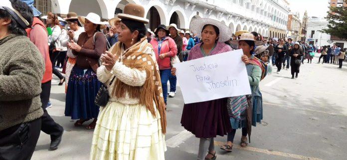 Los padres de familia exigían la pena máxima para los culpables. Foto: LA PATRIA.