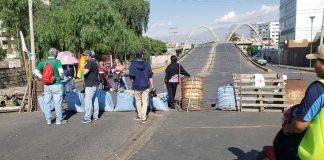 Un punto de bloqueo en Cochabamba. Foto: Opinión.