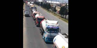 Los camiones cisternas ingresaron aproximadamente a las 10:30 de la mañana. Foto: Hoy Bolivia